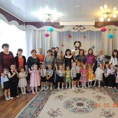 """8 марта группа """"Непоседы"""""""