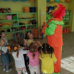 Клоун Клепа в гостях у ребят