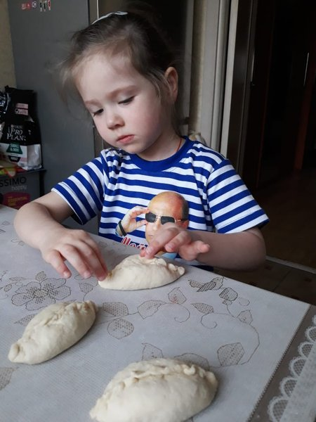 Урок кулинарии. Виктория, 5 лет.