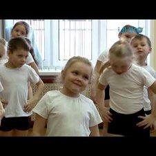 Ученицы Луховицкой школы №1 проводят мероприятия для дошкольников